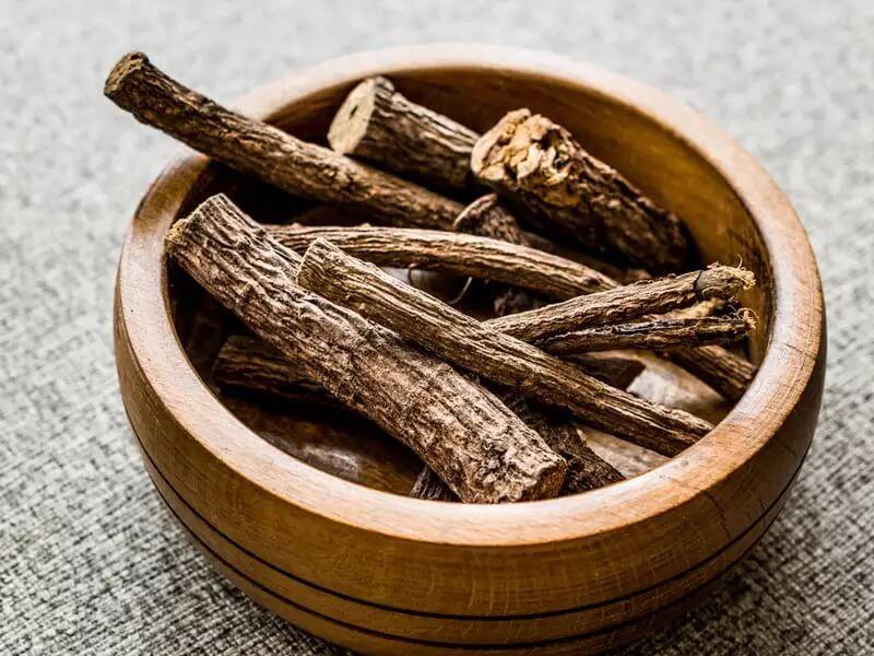 فواید معجزه آسای ریشه شیرین بیان به همراه میزان و نحوه مصرف آن